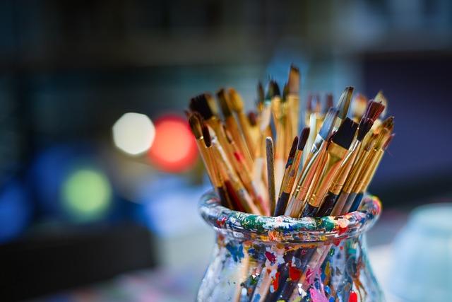 Vor- und Nachteile digitaler und traditioneller Kunst